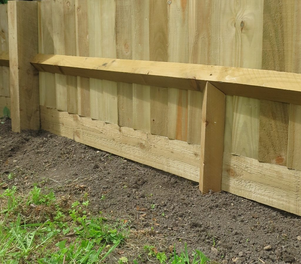 Centre Stump Hartwells Fencing